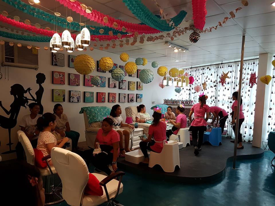 The Nail Bar Hand and Foot Spa | DumagueteInfo Attractions