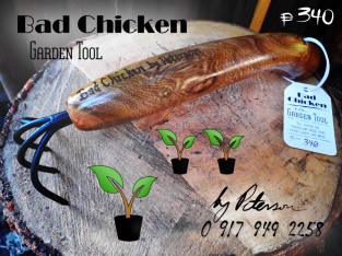 BAD CHICKEN – Garden Tool – by Peterson