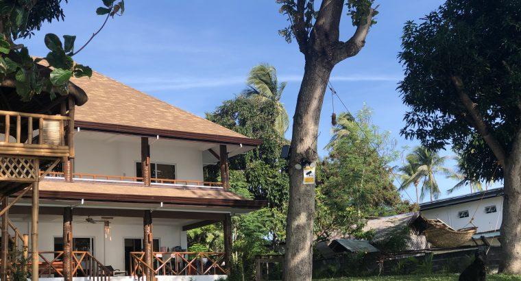 BEACHFRONT HOUSE FOR RENT REN011