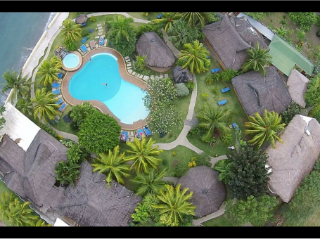 Thalatta Dive Resort facing Apo Island