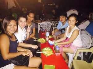 Eating - Rizal Boulevard, Dumaguete City