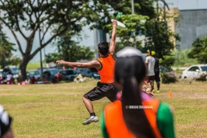 How to hold a disc